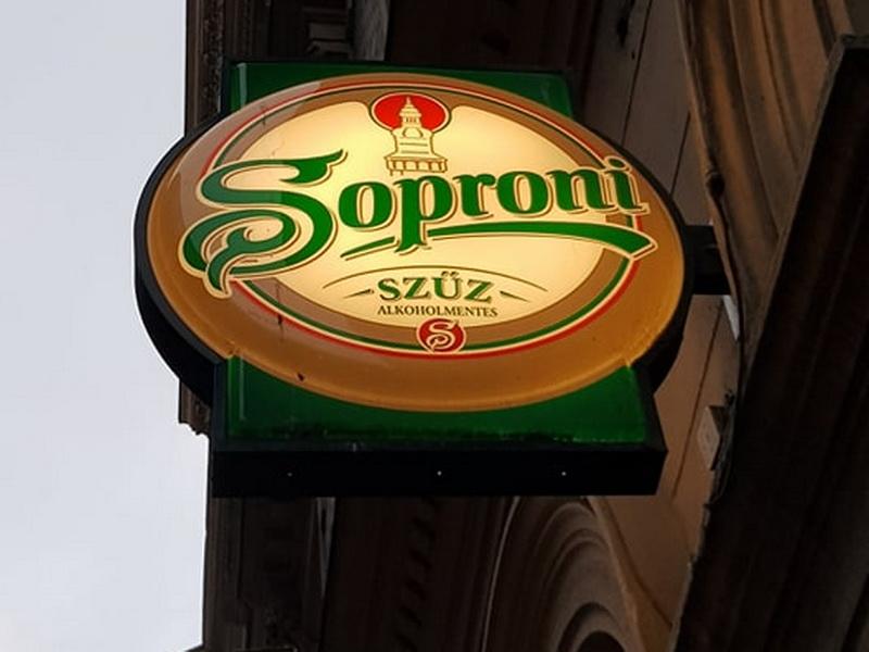 Kocsmába hív egy mentes alkohol reklám
