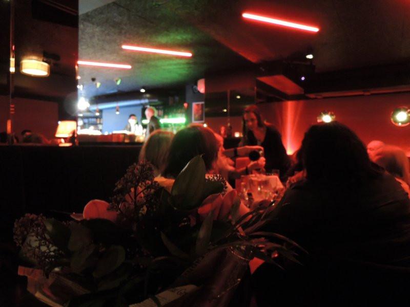 Piros Pezsgő piano bár